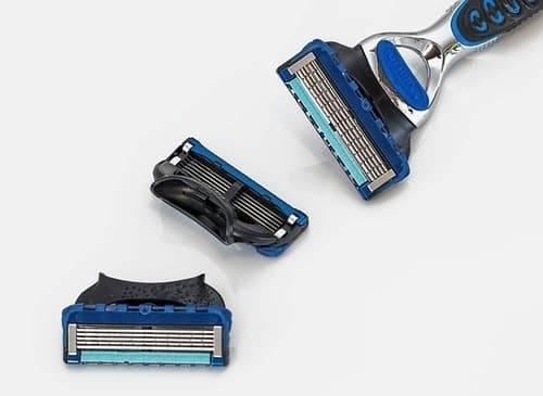 cartridge razor for shaving
